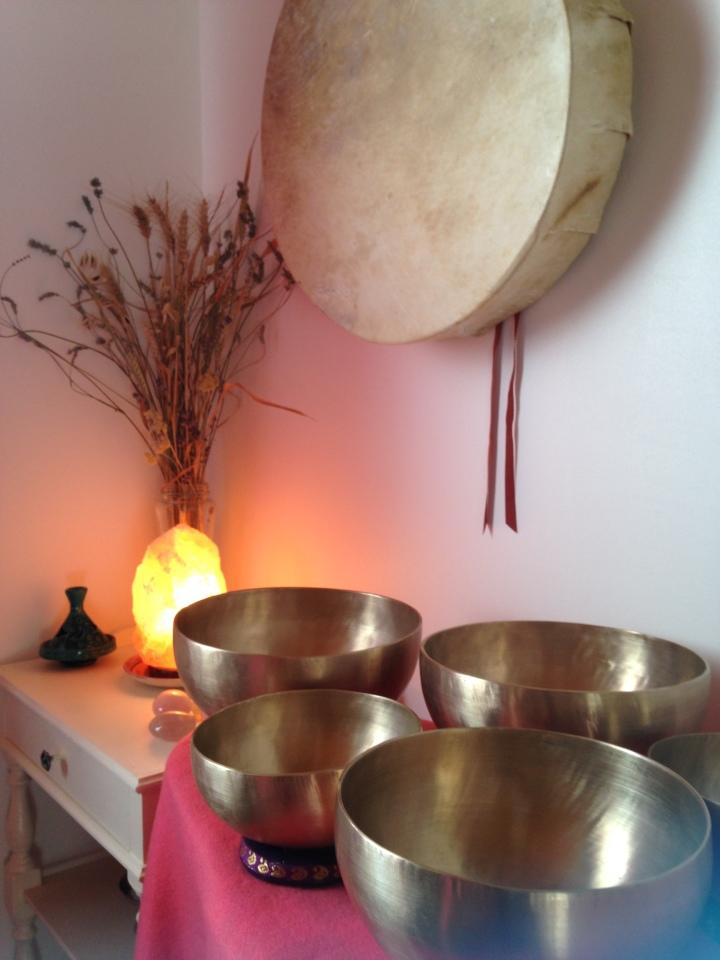 Bols chantants tibétains, bols sonores, massages aux bols tibétains à Pontcharra, la Rochette, Allevard, Montmélian, Chapareillan, Chambéry et Albertville en Savoie et Isère